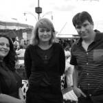 AC-Frédérique Odye, réalisatrice, en compagnie de Delphine Benroubi, sa productrice, et de Julien Pamart son chef opérateur