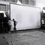 CG-installation écran sur la place pour projection en plein air