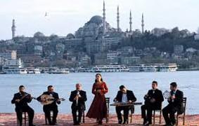 crossing the Bridge.Fatih Akin.2