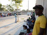 gregory-lassalle-a-filme-le-quotidien-de-migrants-ivoiriens_463754_516x343